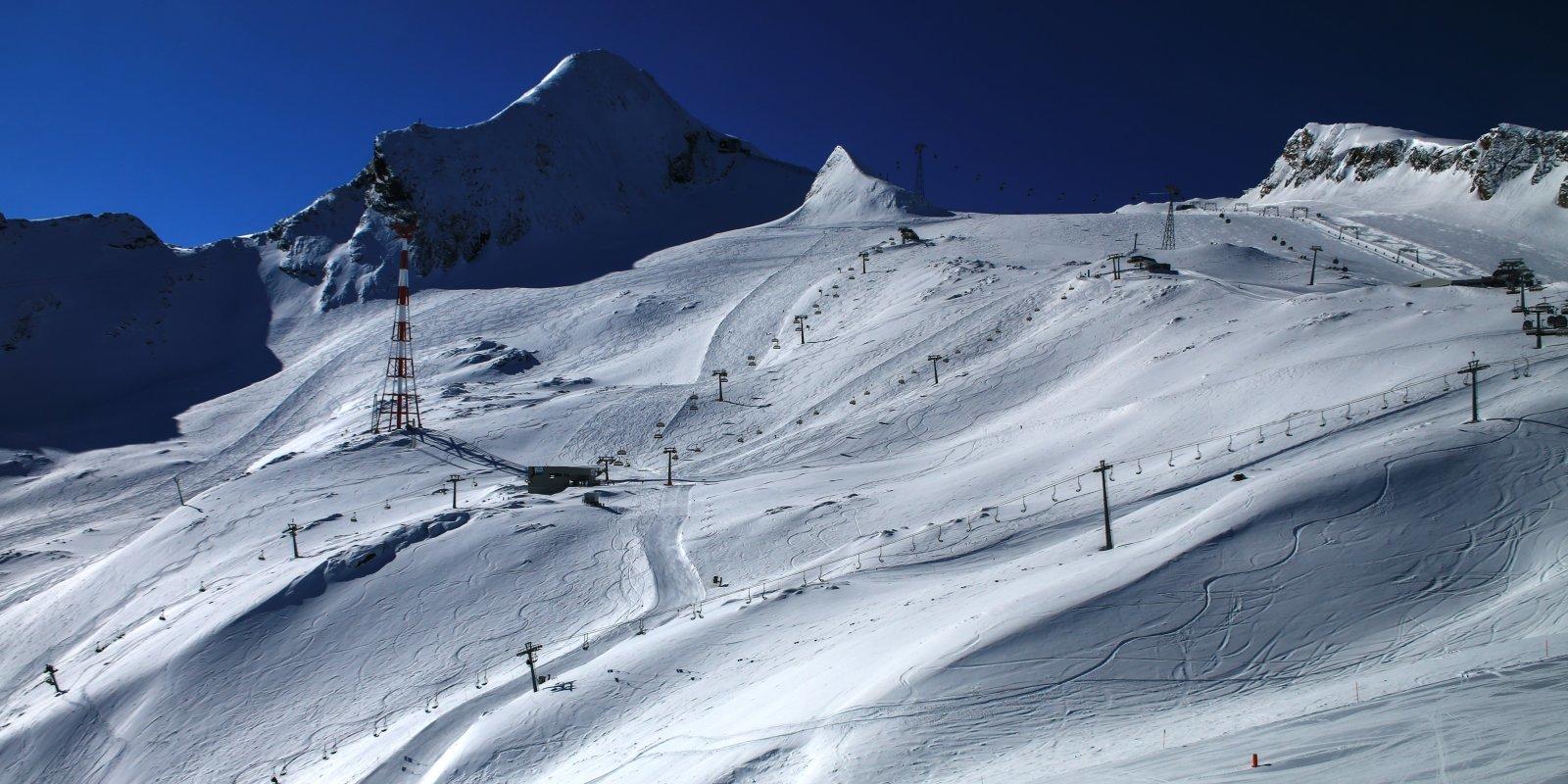 Újra lehet síelni: május 29-én nyit Kaprun
