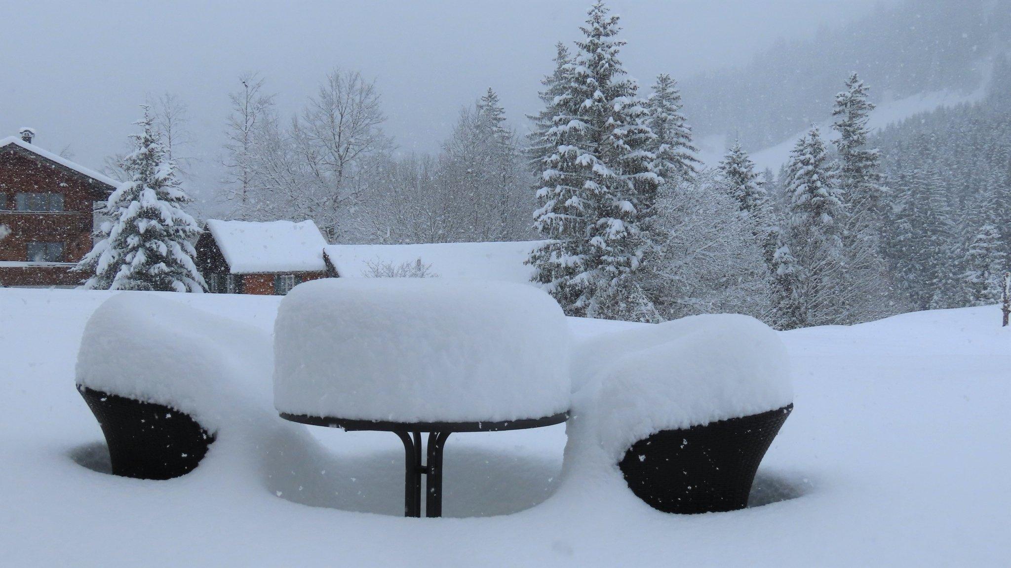 Tavasz helyett: méteres havazás az Alpokban